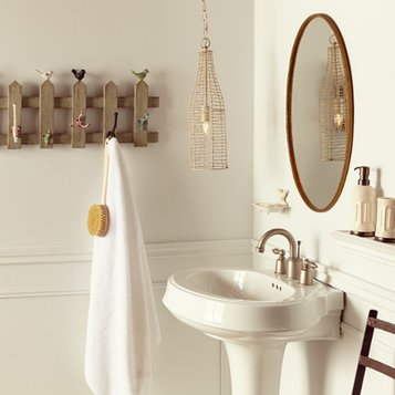 Vintage Chic: Bathroom
