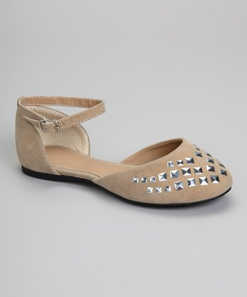 Camel Studded Carry Flat