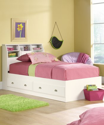 Soft White Shoal Creek Four-Piece Twin Bedroom Set