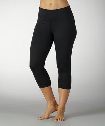 Black Sanded Dry-Wik Flat-Waist Capri Leggings - Women