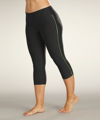 Black & Granny Smith Green Capri Leggings