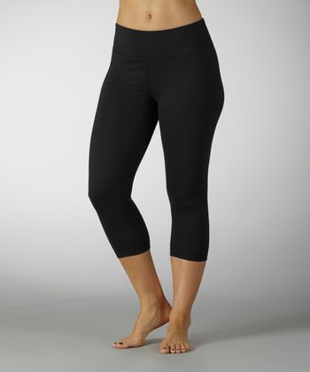 Black Sanded Dry-Wik Capri Leggings