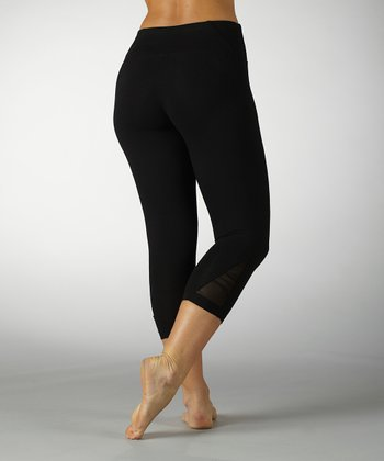 Black Tummy Control Ruched Capri Leggings