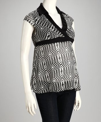 Black & White Geometric Maternity V-Neck Top