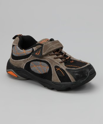 Gray & Black Trail Seeker Sneaker