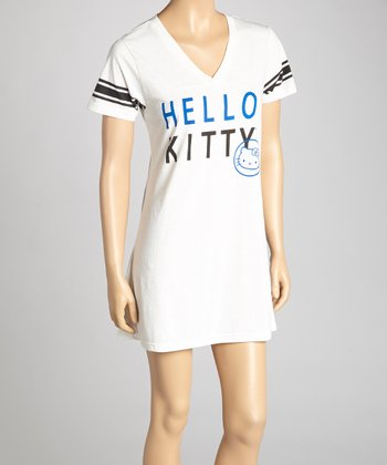 Ivory 'Hello Kitty' Nightgown - Women