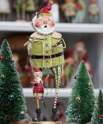 Antique Charm: Christmas Décor