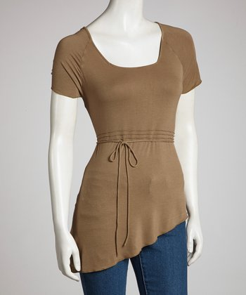 Olive Brown Asymmetrical Hem Short-Sleeve Top - Women