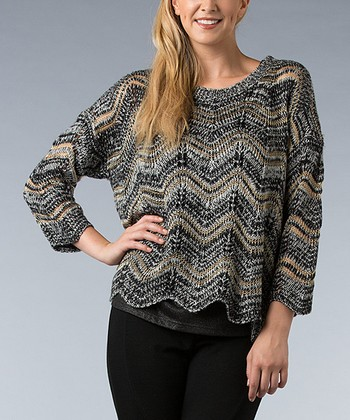 Gray & Black Zigzag Sweater - Women