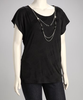 Black Plus-Size Sleeveless Top & Necklace