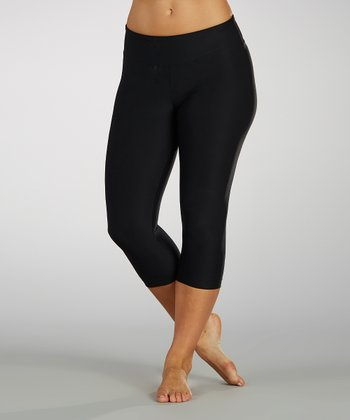 Black Slim-Fit Capri Leggings