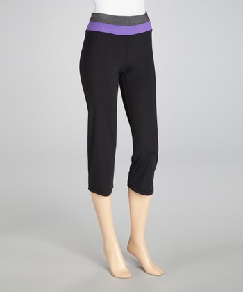 Black & Neon Purple Zip-Back Capri Pants