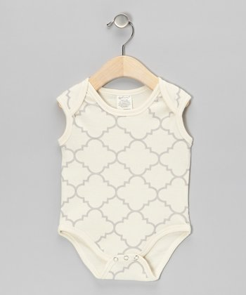 Gray Quatrefoil Organic Bodysuit - Infant