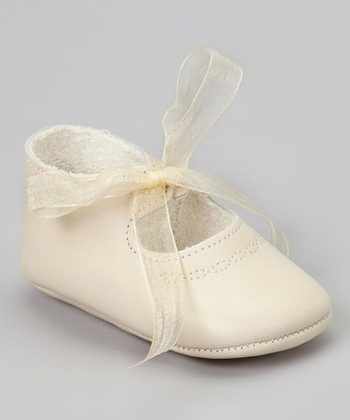 Ivory Ribbon Leather Shoe