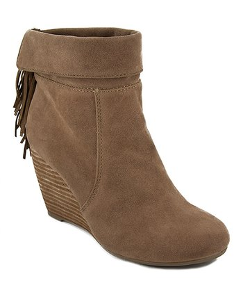 Nutmeg Holiday Bootie