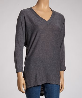 Heather Gray Long-Sleeve V-Neck Top