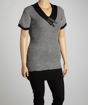 Black & White Stripe Buckle V-Neck Top - Plus