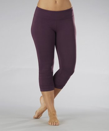 Blackberry Side-Shirred Capri Leggings