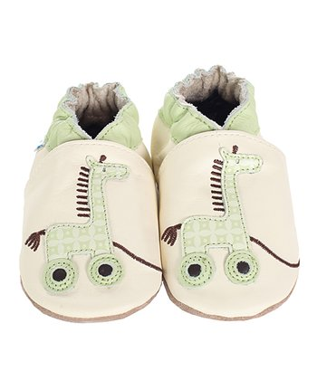 Natural Giraffe Pull Toy Bootie
