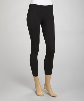 Sleek Style: Trendy & Athletic Legwear