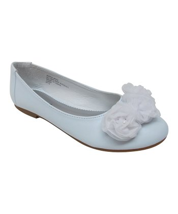 White Fluffy Flower Enna Flat
