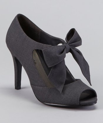 Gray Garbo Pump