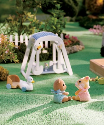 Peaches & Freddy's Swing 'n Play Set