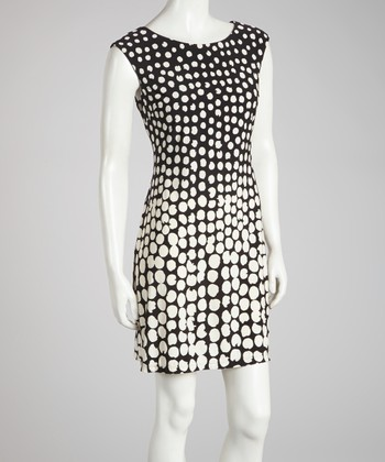 Black & White Cap-Sleeve Shift Dress