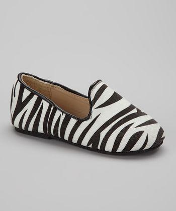 Chatties Black & White Zebra Tuxedo Flat