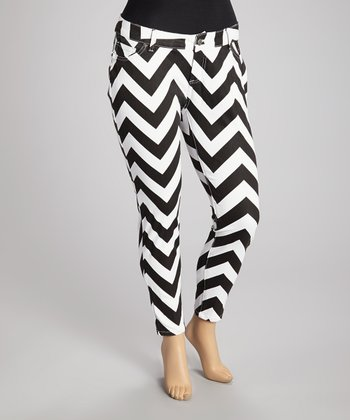 Black & White Zigzag Skinny Jeans - Plus