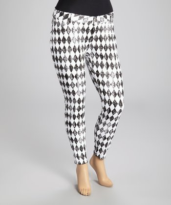 Black & White Harlequin Skinny Pants - Plus