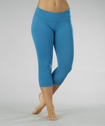 Turkish Tile Slim-Fit Capri Leggings