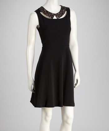 Black Lace Yoke Sleeveless Dress