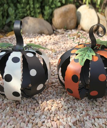Small Metal Pumpkin Set