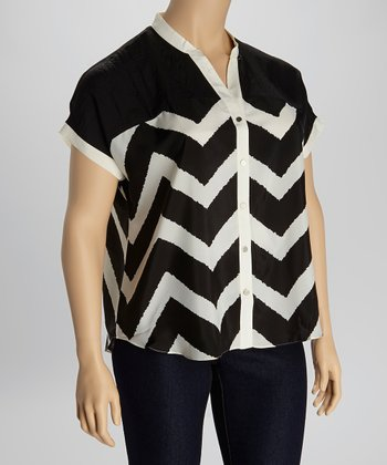 Black & Ivory Zigzag Button-Up - Plus