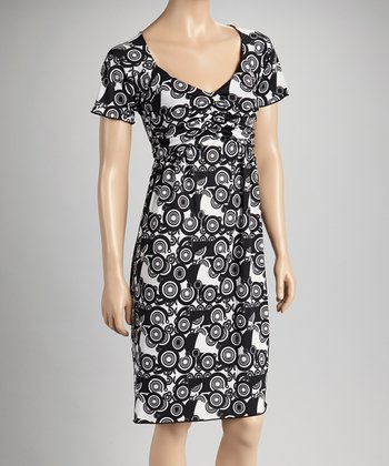Black & White Circles Short-Sleeve V-Neck Dress