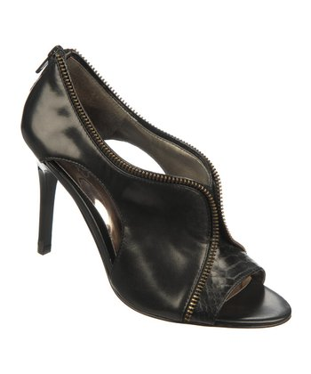 Black Leather Passion Pump
