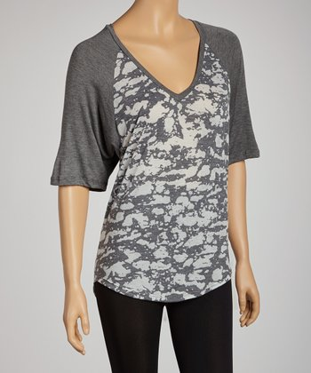 Gray & White Abstract Raglan Top