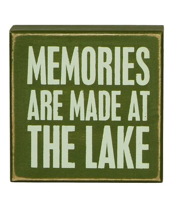 Green 'Memories are Made' Box Sign