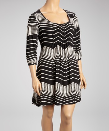 Black Zigzag Stripe Shift Dress - Plus