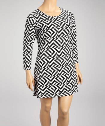 Black Abstract Zigzag Shift Dress - Plus