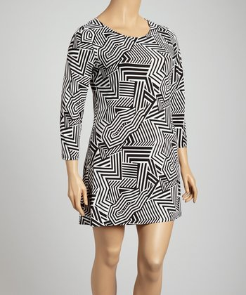 Black & White Abstract Zigzag Shift Dress - Plus