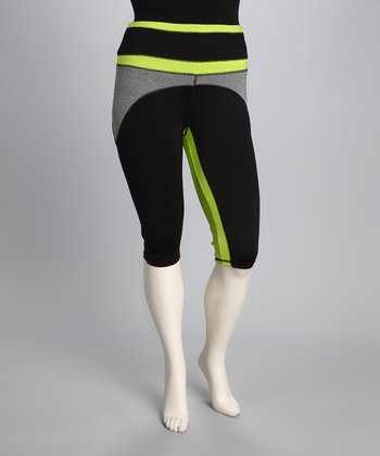 Green & Black Plus-Size Capri Pants