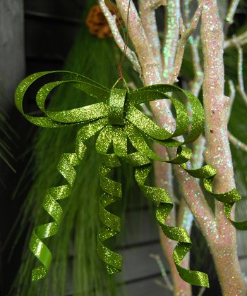 Green Curly Metal Bow