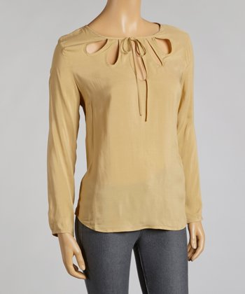 Silt Cutout Top