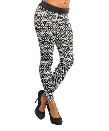 Black & Ivory Geometric Leggings