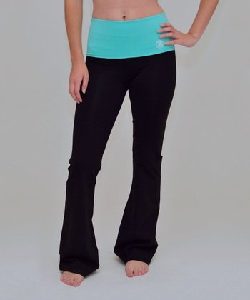 Black & Cockatoo Cinch Back Yoga Pants