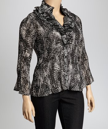 Black & White Reptile Small Cascade Crinkle Top - Plus