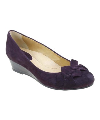 Blackberry Teaberry Suede Wedge