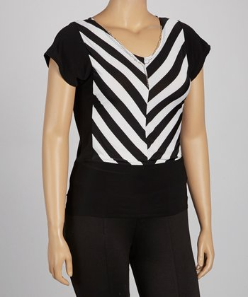 Black & White Stripe Necklace Top - Plus